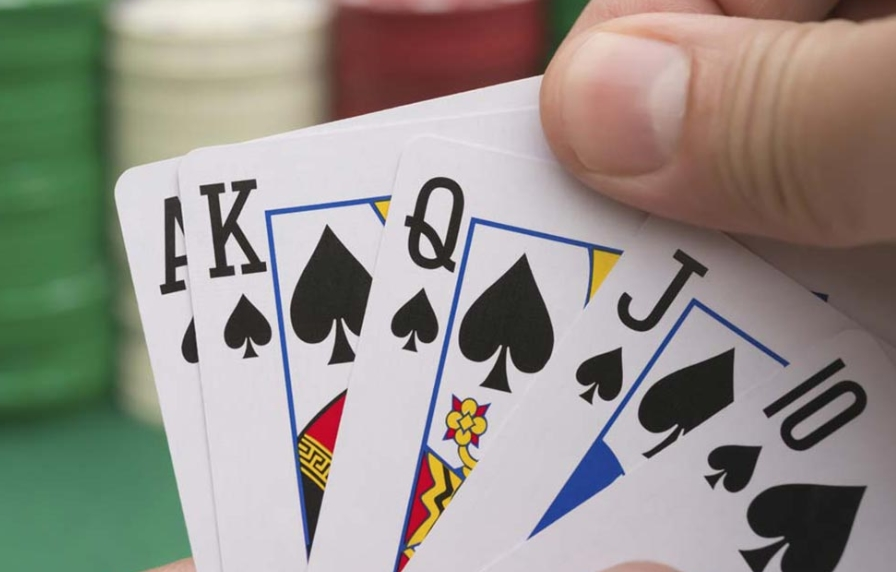 Gambling Tutorial: What is Ceme Poker Online and How to Play it?